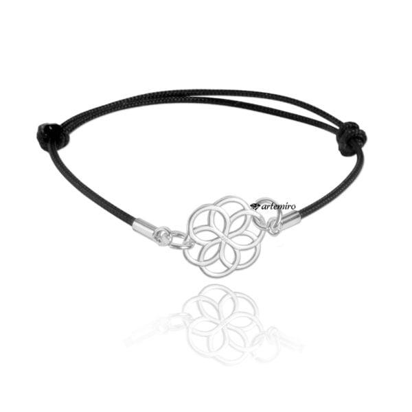 Czarna bransoletka sznurkowa ze srebrnym kwiatem