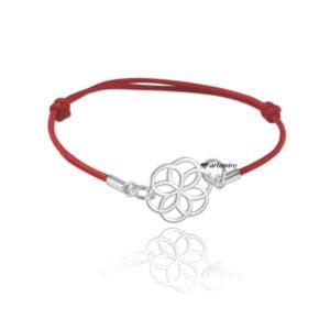 Czerwona bransoletka sznurkowa ze srebrnym kwiatem