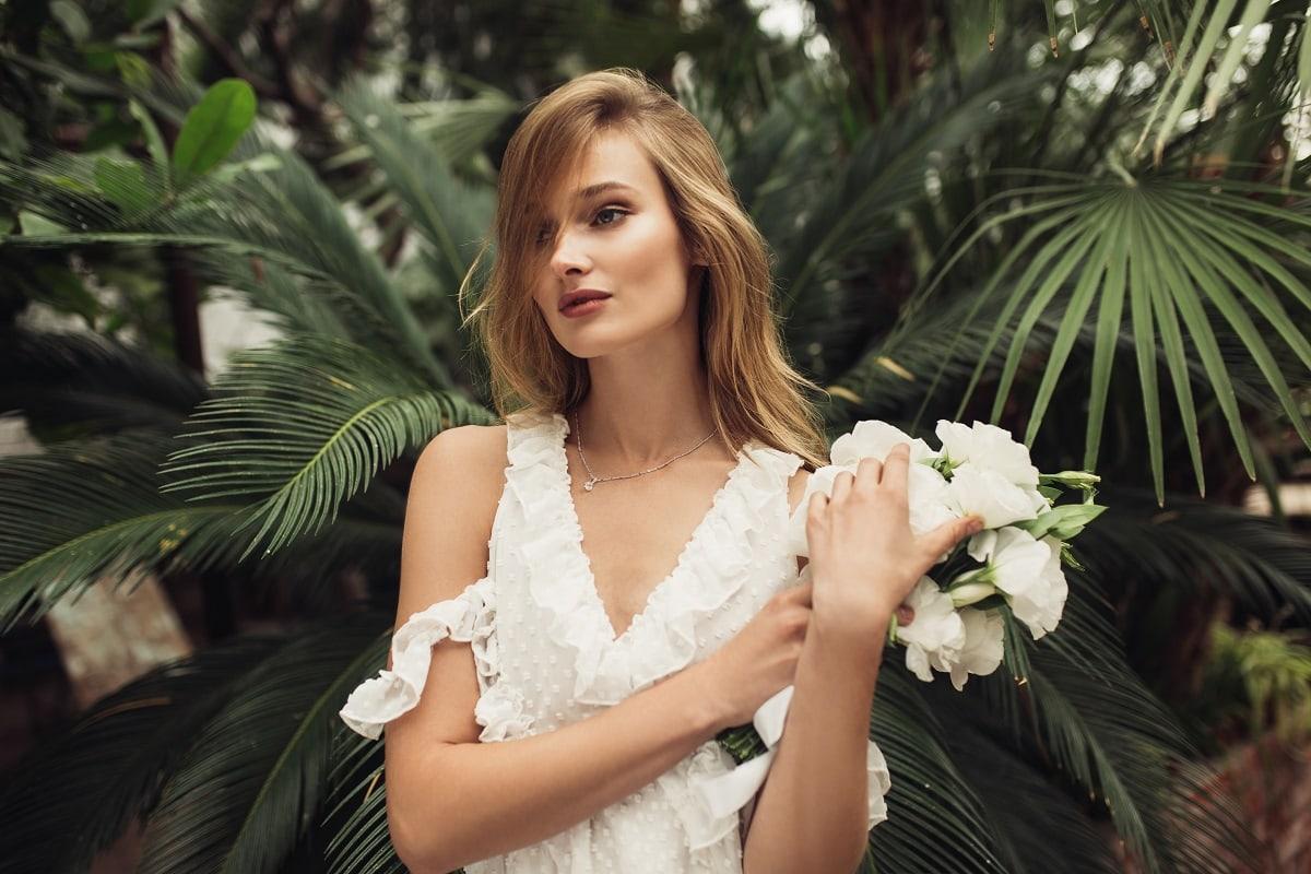 Dodatki do białej sukienki