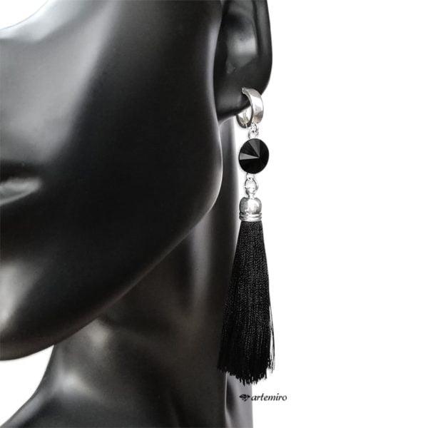 Srebrne kolczyki chwosty czarne z kryształkiem Swarovski